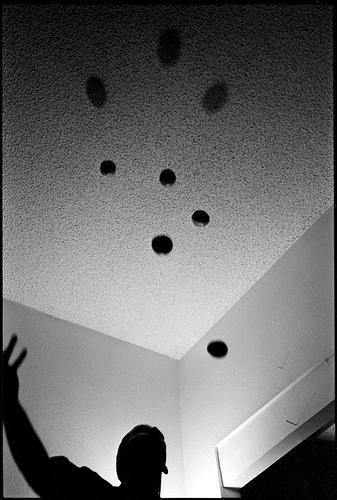 Juggle by jonnyphoto